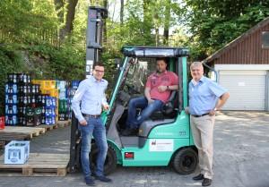 Björn Schauenburg, Andre Hoch und Bernd Bläsing analysierten gemeinsam den Bedarf des Getränkelagers und wählten den passenden Stapler und Lagertechnik.